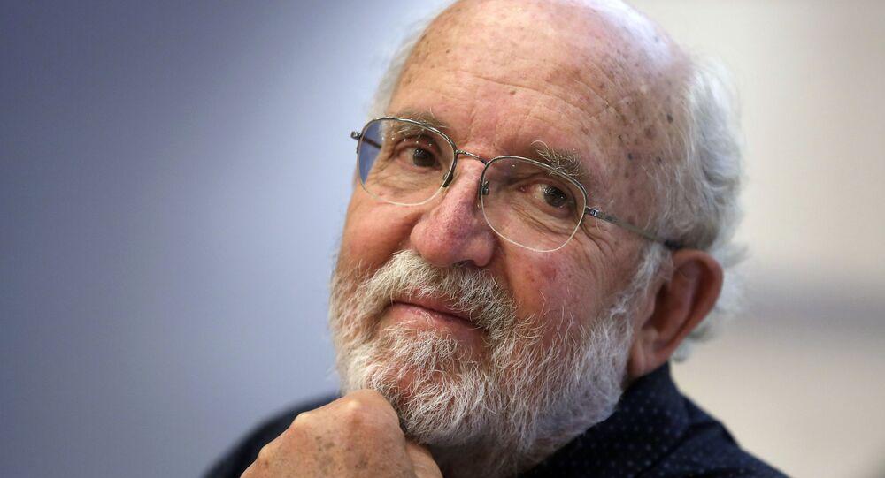 Cientista laureado com o Nobel da Paz, Michel Mayor, durante coletiva de imprensa na Espanha, em 9 de outubro de 2019
