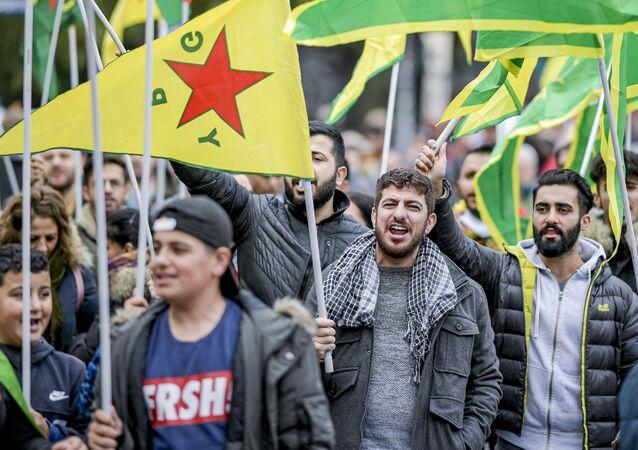 Manifestação em defesa dos curdos em Hamburgo, na Alemanha, em 12 de outubro de 2019