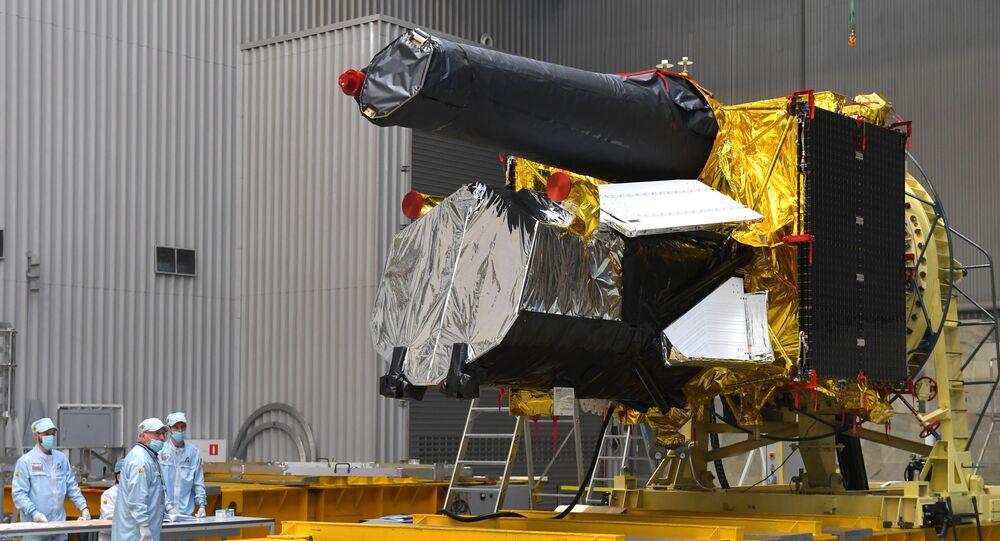Telescópio espacial russo Spektr-RG no Instituto Lavochkin, antes de ser lançado no espaço