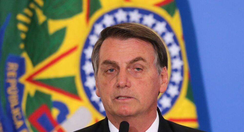 O presidente Jair Bolsonaro durante Solenidade do 13º do Bolsa Família e Recursos para obras Irmã Dulce no Palácio do Planalto em Brasília (DF).
