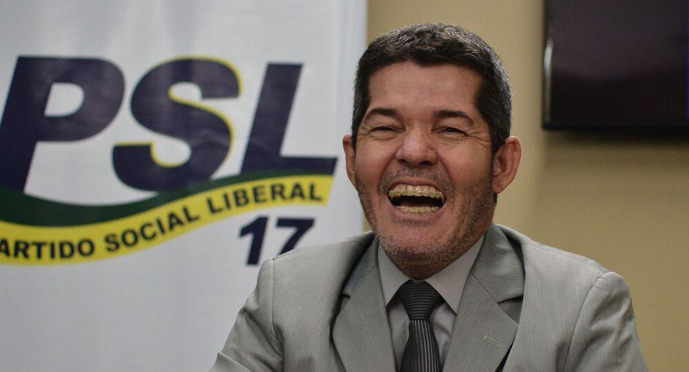 O delegado Waldir, Líder do governo na Câmara, concede entrevista em meio à guerra pela liderança do PSL, na Câmara dos Deputados,