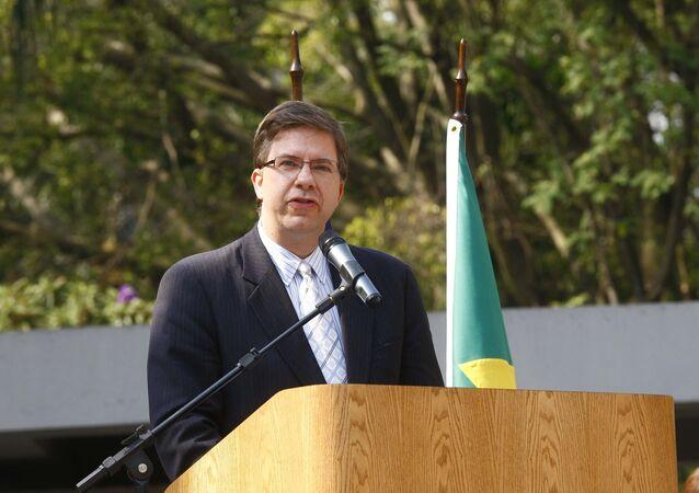 Indicado para ser o novo embaixador americano no Brasil, Todd Chapman discursa no consulado dos EUA em São Paulo em 2011.