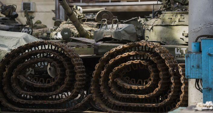 Modernização do tanque T-72 na fábrica em Omsk
