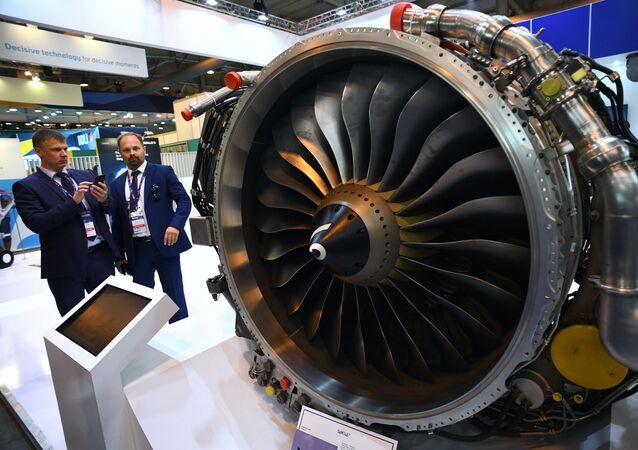 Motor turboalimentado russo-francês com mistura de fluxos PowerJet SaM146 (SM 146) apresentado na Exposição Internacional de Aviação e Espaço MAKS 2019 em Zhukovsky, região de Moscou