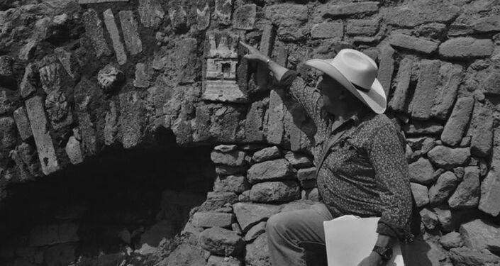 Túnel asteca encontrado por arqueólogos na Cidade do México