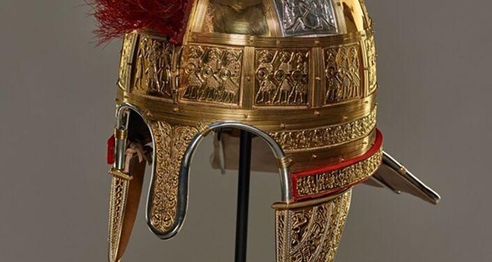 Reconstrução de um capacete de ouro