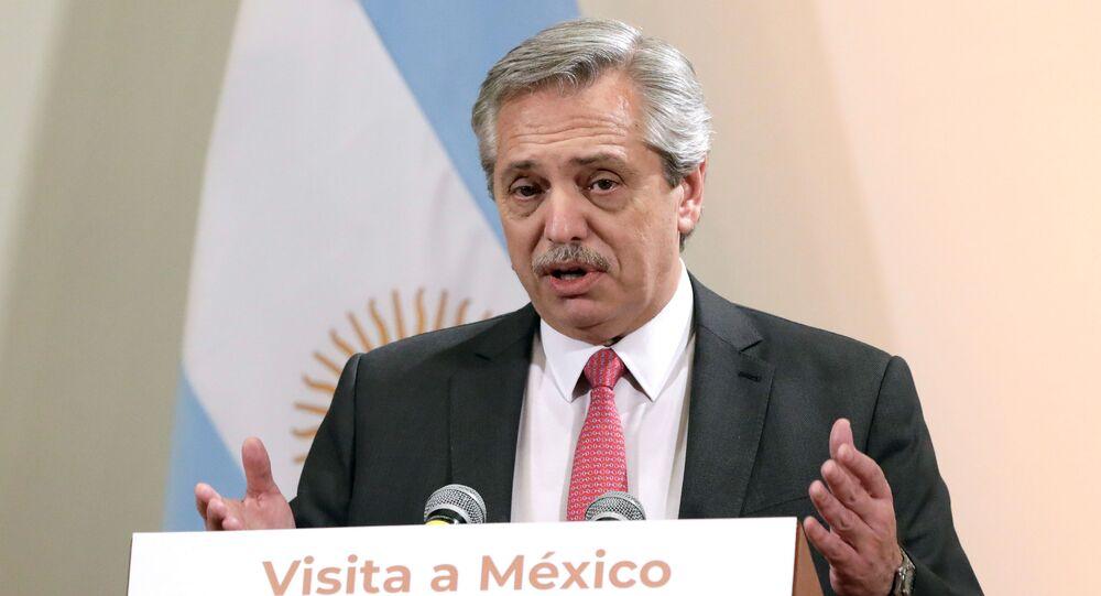 Presidente eleito da Argentina, Alberto Fernandez, em conferência de imprensa após reunião com o presidente do México, Andres Manuel Lopez Obrador, no dia 4 de novembro de 2019