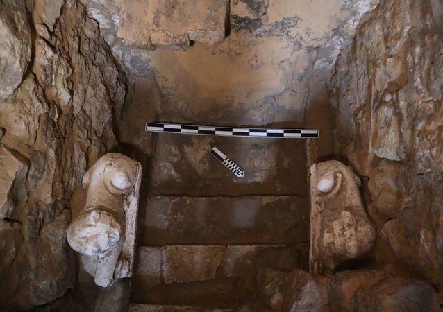 Catacumba de 2.000 continha múmias e estátuas de deuses egípcios