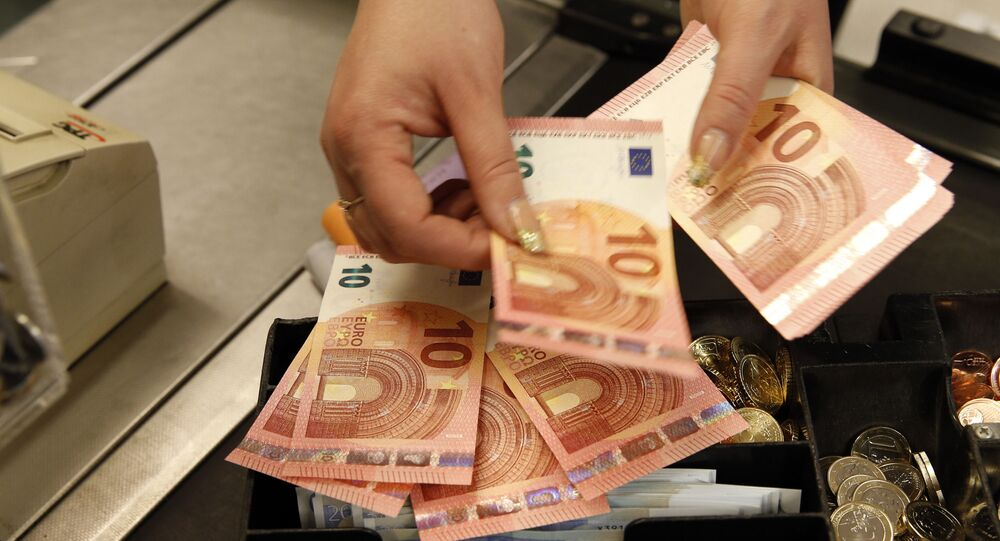 Caixa mostra notas de euro (foto referencial)