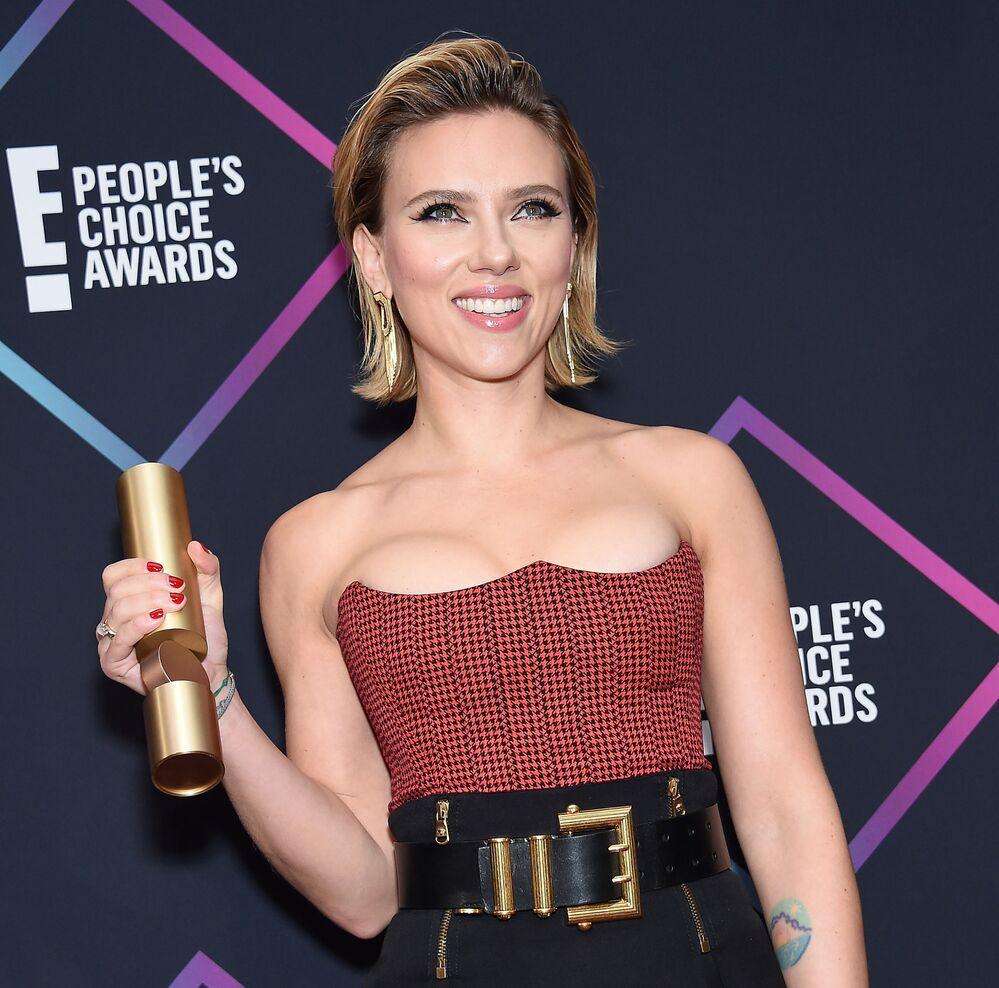 Nossa diva, aos 34 anos, durante o festival People's Choice Awards, no qual foi nomeada para o prêmio Estrela de Cinema Feminina, em 2018