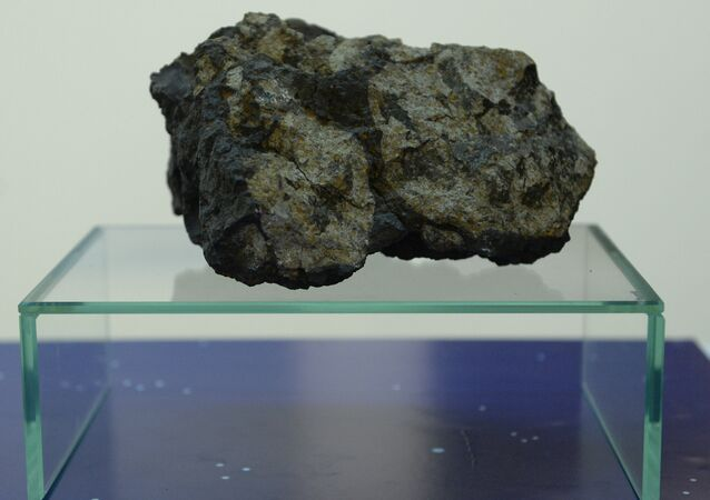 Pedaço do meteorito que caiu em Chelyabinsk (foto de arquivo)