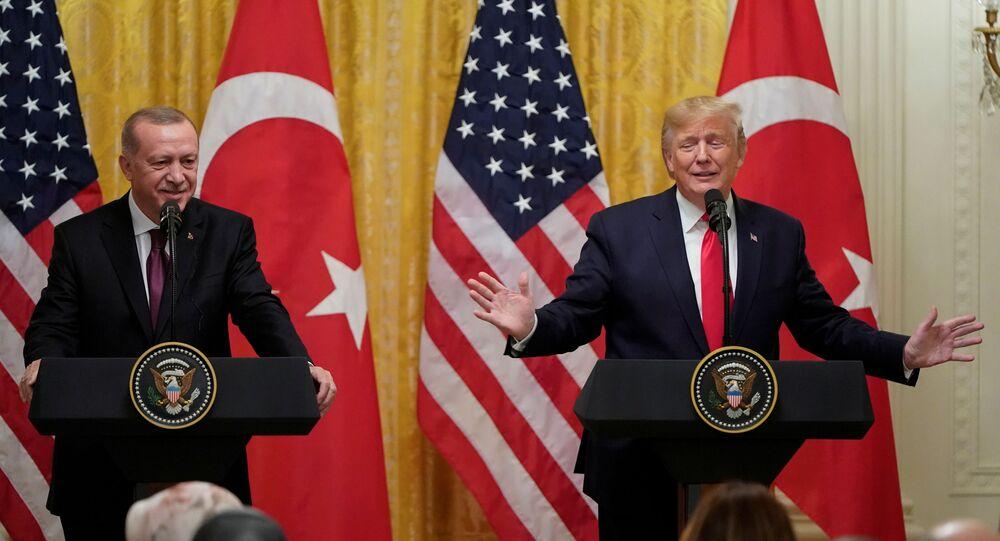 Presidente da Turquia, Recep Tayyip Erdogan, e presidente dos EUA, Donald Trump, em uma coletiva de imprensa na Casa Branca, 13 de novembro de 2019