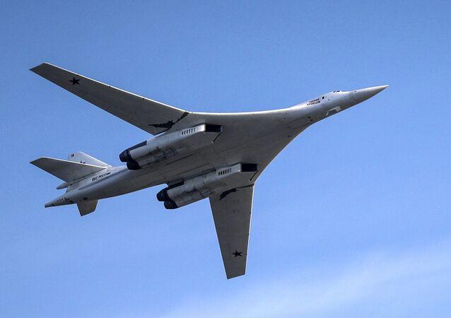 Bombardeiro Tu-160M