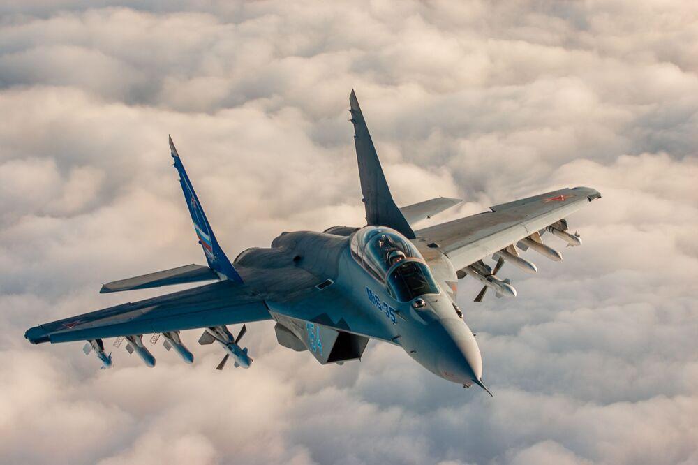 Caça russo avançado multifuncional MiG-35 de geração 4+++