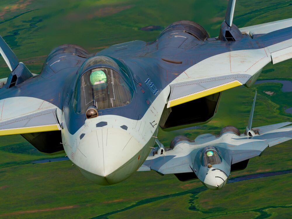 Caça multifuncional avançado Su-57 de quinta geração