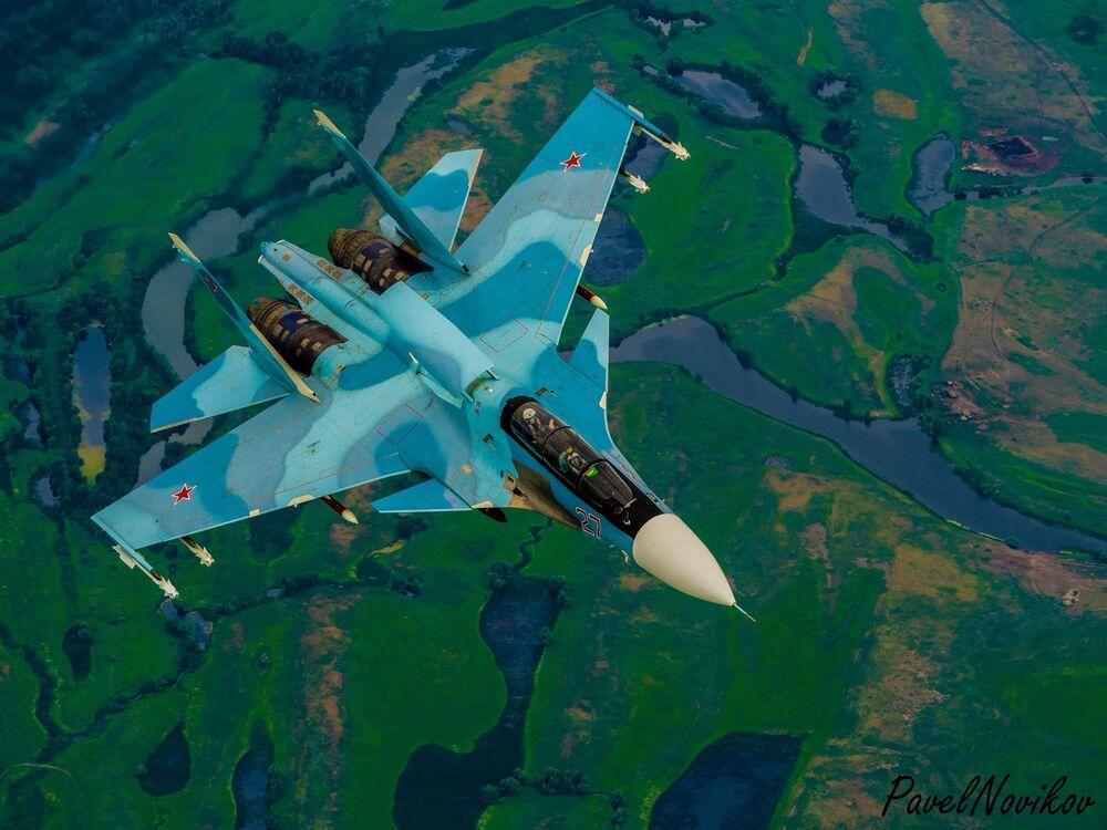 Caça russo Su-30 de geração 4+