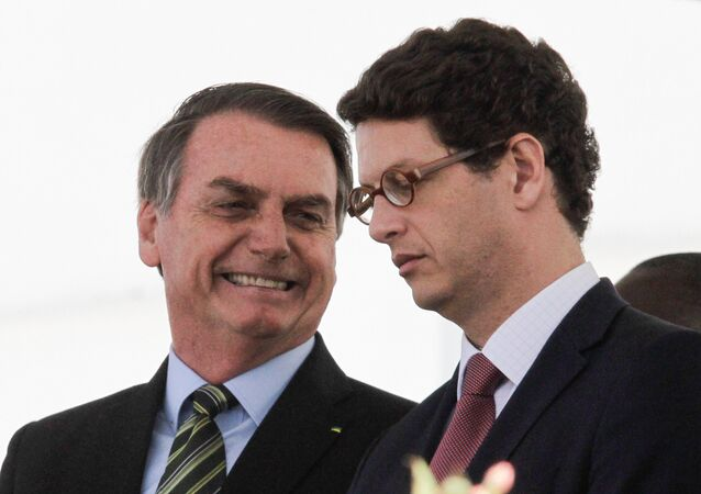 Presidente Jair Bolsonaro ao lado do ministro do Meio Ambiente, Ricardo Salles, durante evento em SP