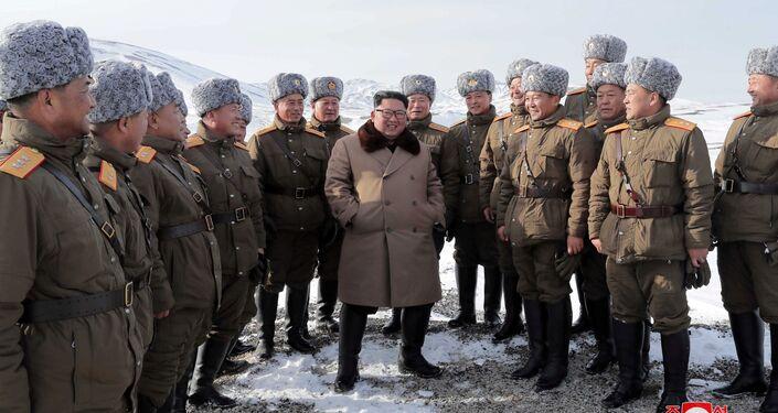 Líder norte-coreano Kim Jong-un no monte Paektu, Ryanggang, Coreia do Norte