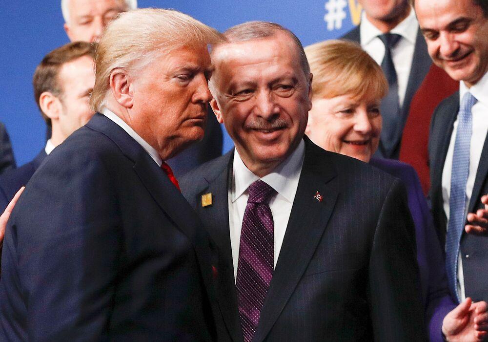Presidente norte-americano, Donald Trump, e líder turco, Recep Tayyip Erdogan, durante cúpula da OTAN em Londres.