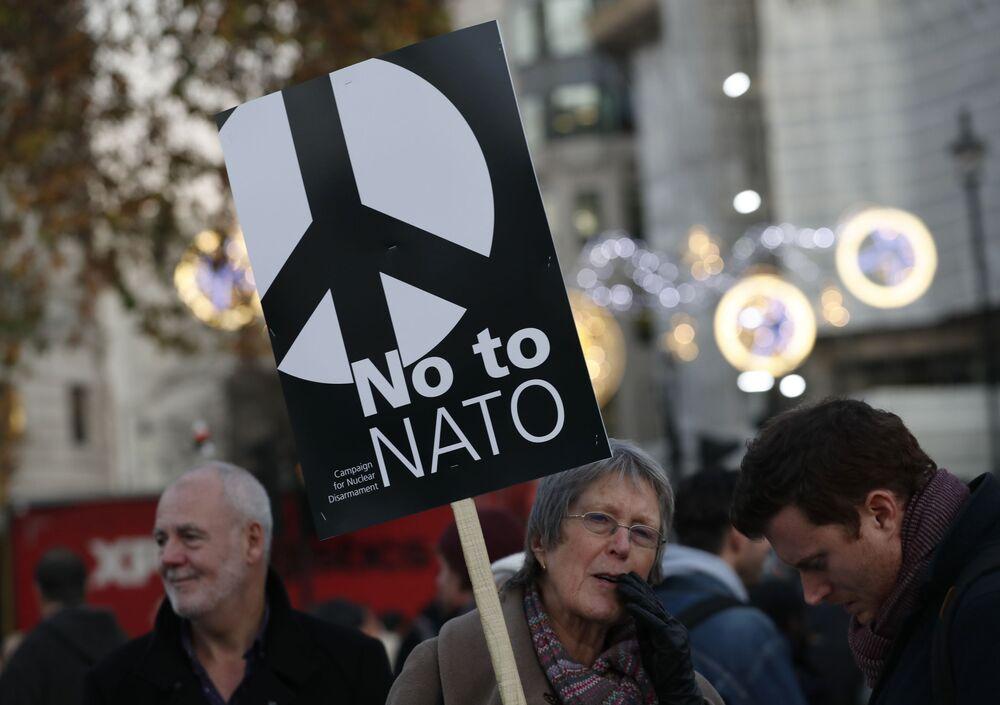 Protestos contra a cúpula da OTAN em Londres.
