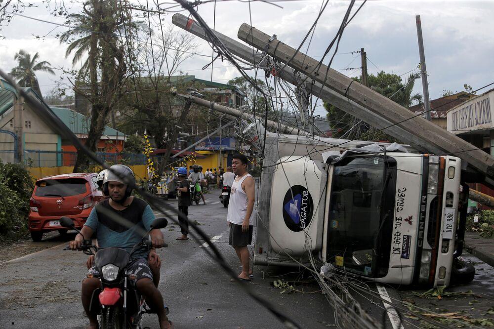Consequências do tufão nas Filipinas