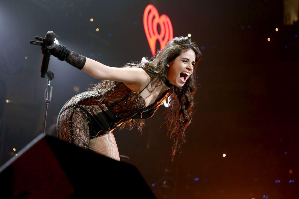 Cantora Camila Cabello atuando na cidade de Dallas, Texas, EUA
