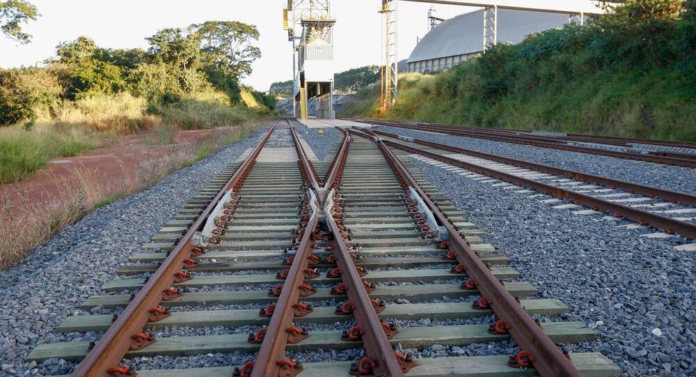 Trecho em implantação da ferrovia Norte-Sul em Anápolis (GO)