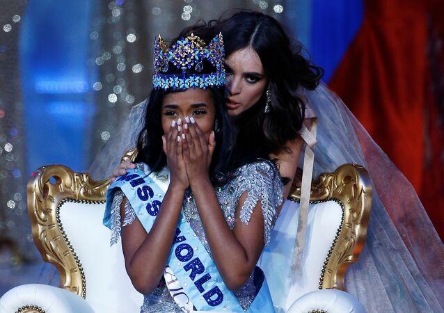 Representante da Jamaica, Toni-Ann Singh, se emociona com vitória no Miss Mundo 2019