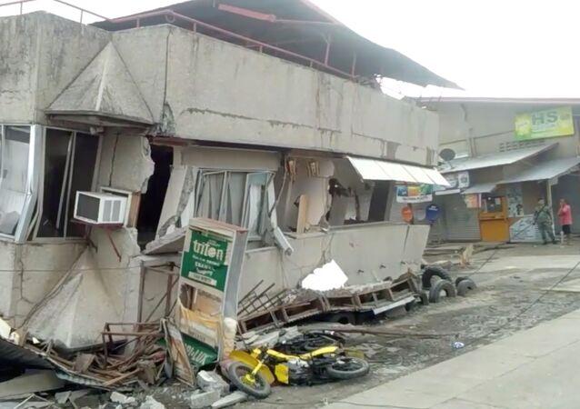 Edifícios danificados por terremoto em Padada, Filipinas, 15 de dezembro de 2019