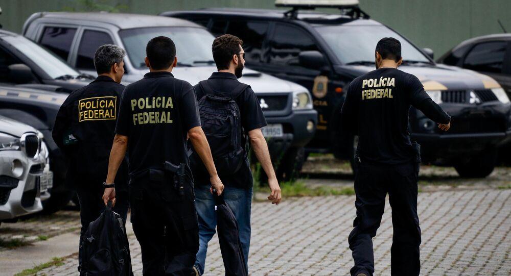Policiais federais durante operação (foto de arquivo)