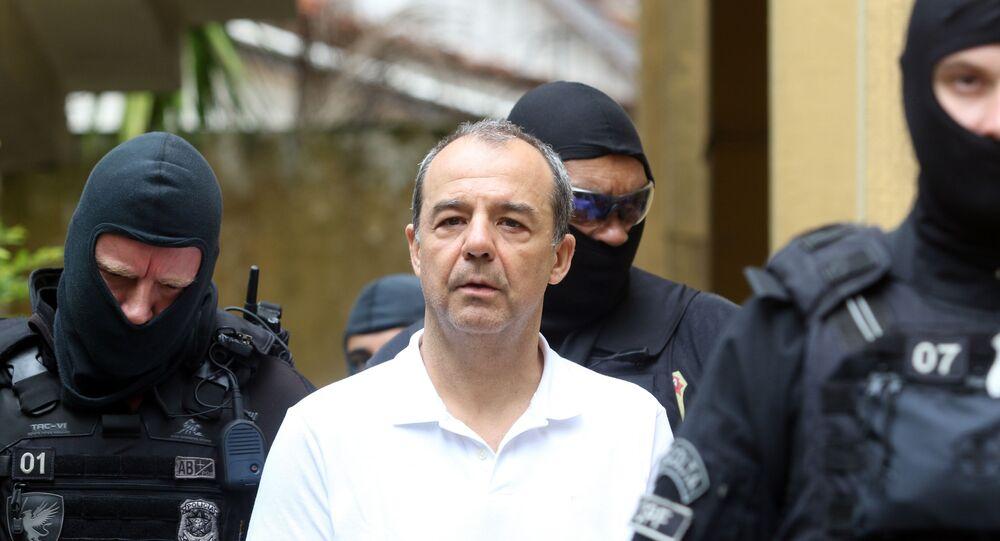 O ex-governador Sergio Cabral realiza exame de corpo-de-delito no IML em Curitiba antes de ser encaminhado ao Complexo Médico Penal, em Pinhais-PR