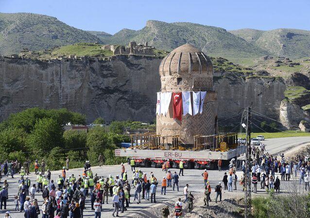 Tuma é realocada em Hasankeyf, Turquia