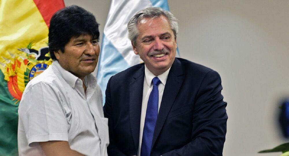 Ex-presidente boliviano Evo Morales em encontro com o presidente argentino Alberto Fernández