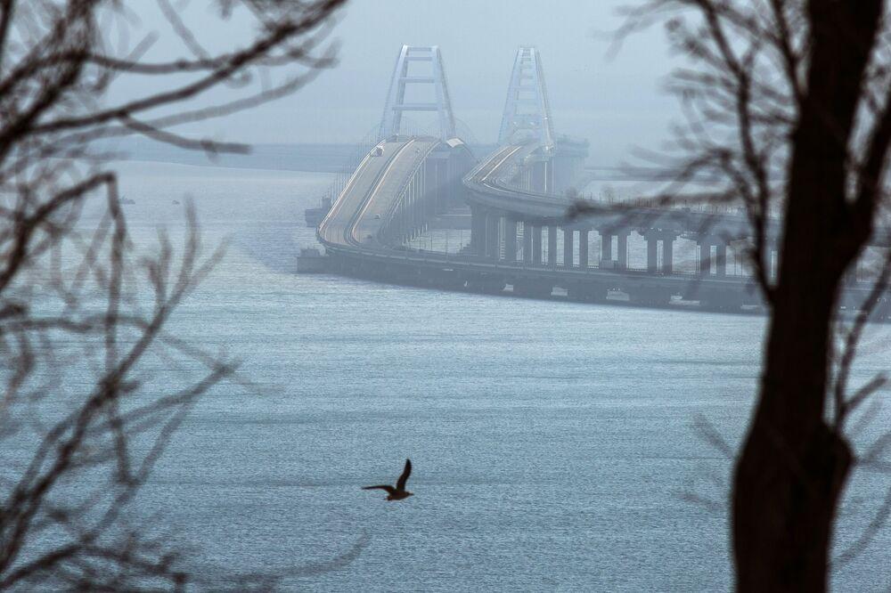Ponte da Crimeia vista desde a península da Crimeia