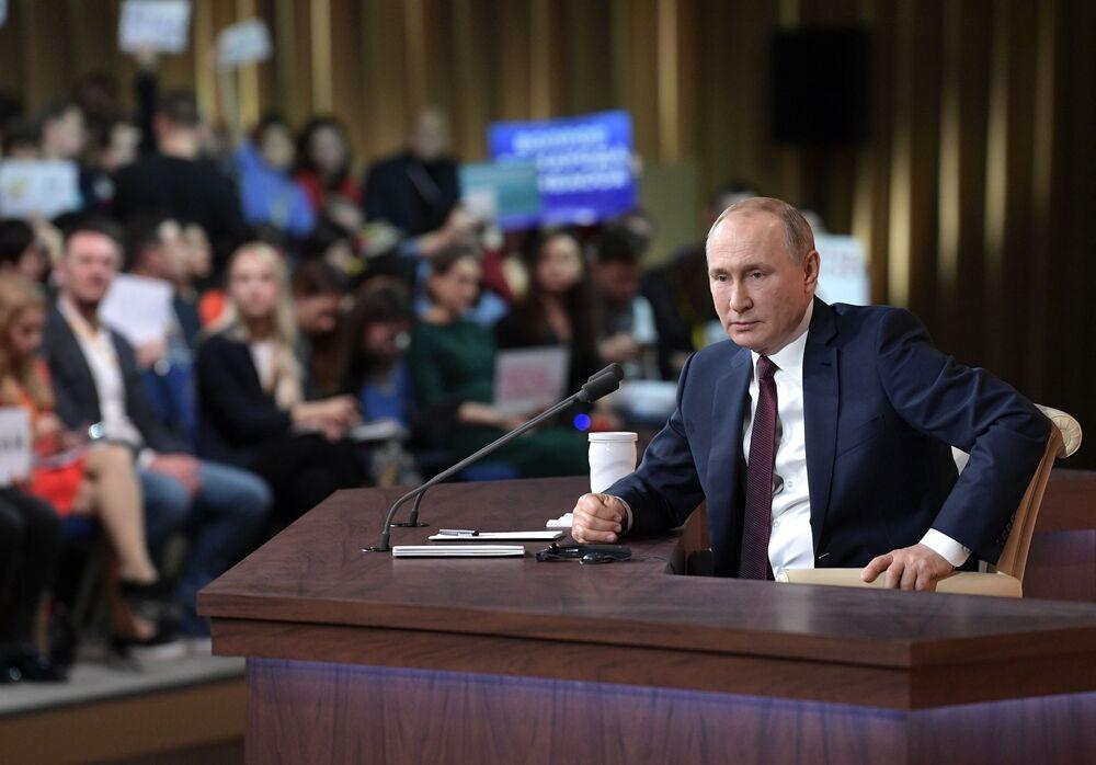 Presidente russo, Vladimir Putin, durante a grande coletiva de imprensa em Moscou