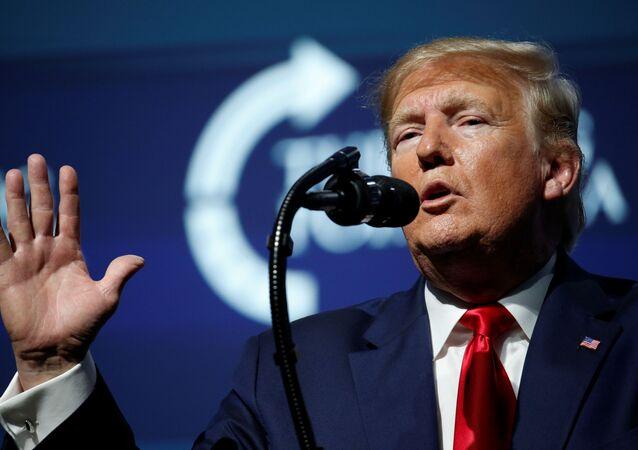 Presidente dos EUA, Donald Trump, durante compromisso de campanha, na Flórida, em 21 de dezembro de 2019