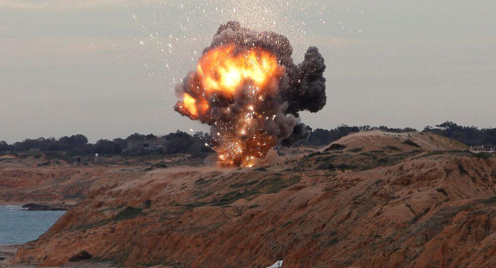 Detonação de míssil portátil terra-ar (foto de arquivo)
