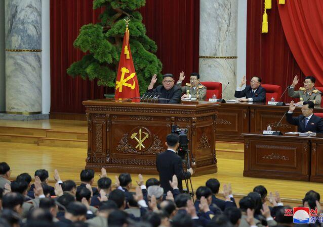 Líder norte-coreano, Kim Jong, un, durante reunião do Comitê Central do Partido dos Trabalhadores da Coreia