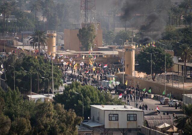 Segundo dia dos protestos perto da embaixada dos EUA em Bagdá, Iraque