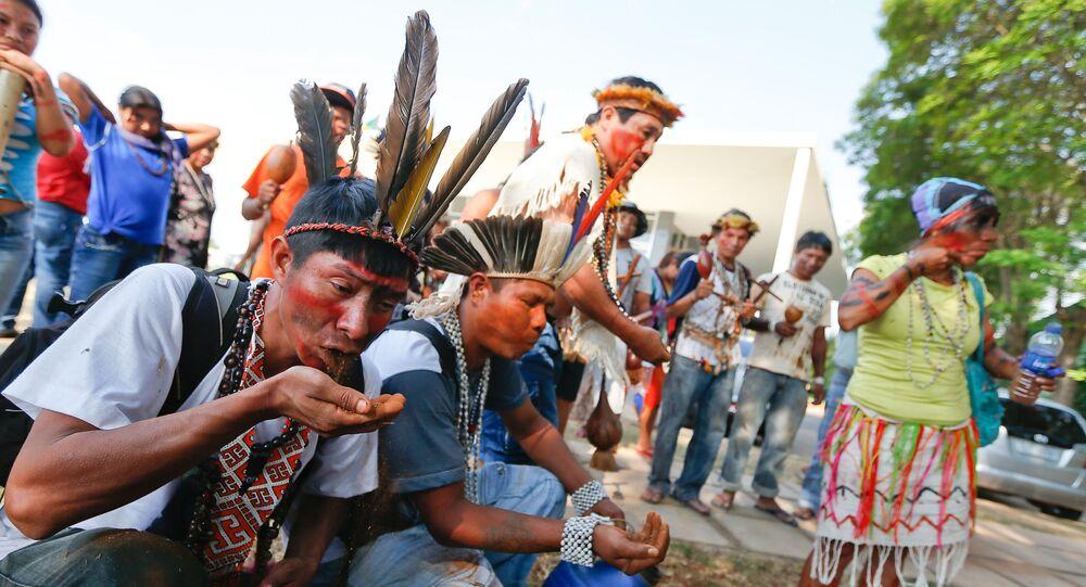 Índios da etnia Guarani Kaiowa