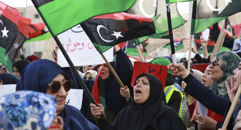 Mulheres líbias na Praça do Mártir, em Tripoli, na Líbia, em março de 2019 (foto de arquivo)