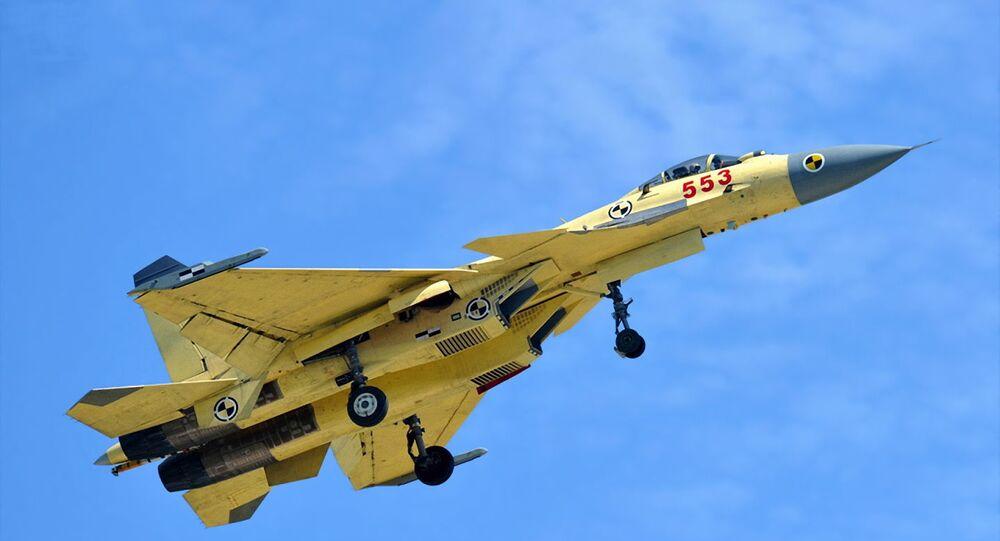 Caça chinês J-15