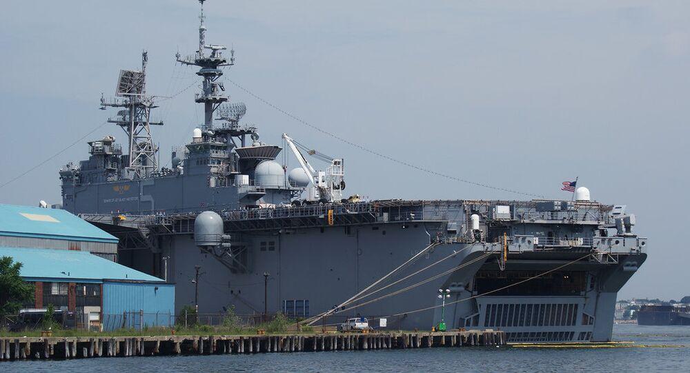 Navio de assalto anfíbio USS Bataan