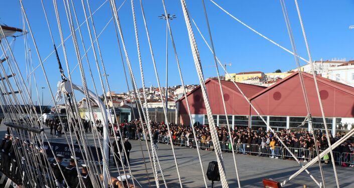 Navio-escola Sagres, da Marinha portuguesa, partiu de Lisboa para repetir feito histórico