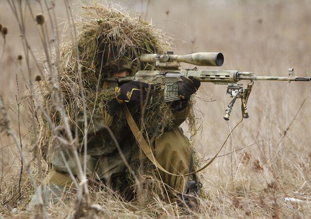 Franco-atirador durante exercícios (foto de arquivo)