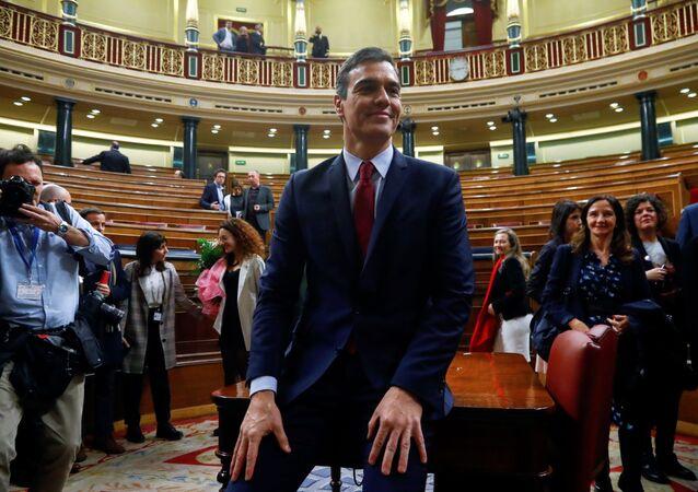 Socialista Pedro Sánchez recebe voto de confiança do Parlamento da Espanha para governar