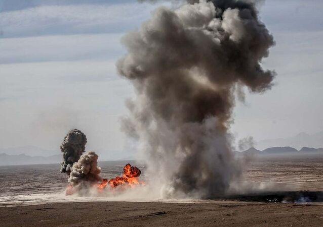 Explosão durante exercícios militares iranianos (foto de arquivo)