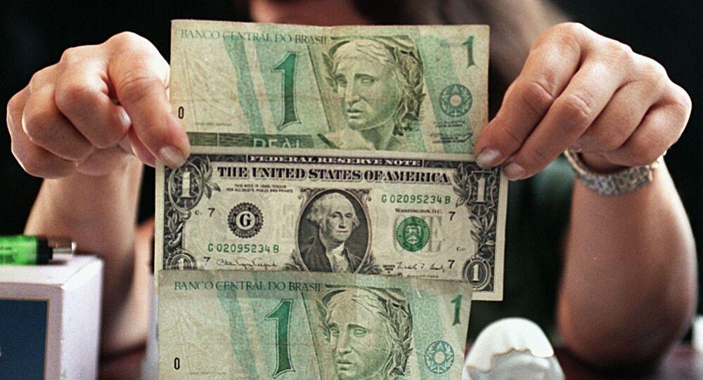 Real brasileiro e dólar norte-americano