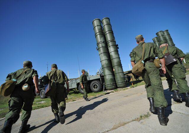 Sistemas de misiles S-400 Triumf protegen espacio aéreo de Moscú