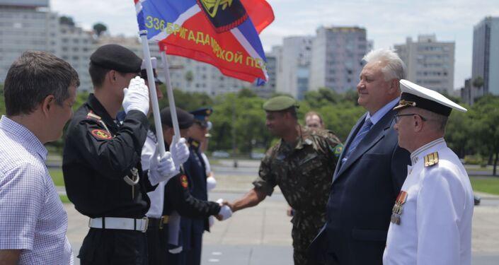 Cônsul da Rússia no Rio de Janeiro e membros da expedição do navio Admiral Vladimirsky são recebidos por representantes do Exército do Brasil